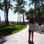 ワイキキ人気サーフスポットカヌーズ、クイーンズ、スリーズでサーフィンを体験しよう!
